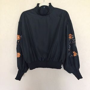 Romeo & Juliet Couture Embroidered LS Poet Blouse